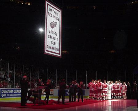 capt.1034903642.red_wings_banner_dta102.jpg